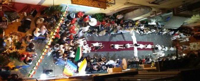 Napoli, la processione della Madonna e i manganelli sui ragazzi