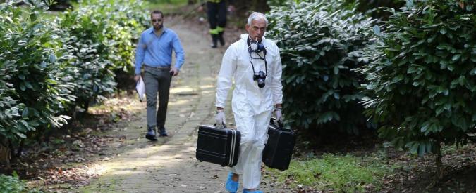 Napoli, trovato cadavere in decomposizione impiccato ad un albero del parco pubblico
