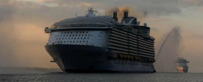 Marsiglia, incidente sul colosso dei mari Harmony of the Seas. Scialuppa si sgancia durante esercitazione: un morto e 4 feriti (FOTO)