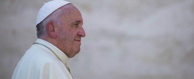 """Migranti, Papa: """"Il Mediterraneo è diventato un cimitero. Ospitalità è nostra sicurezza contro terrorismo"""""""