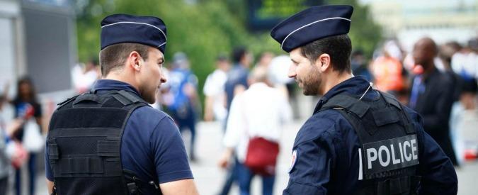 """Parigi, fermati tre 15enni: """"Erano pronti a compiere attentato"""". Presi anche cinque siriani: """"Volevano comprare kalashnikov"""""""