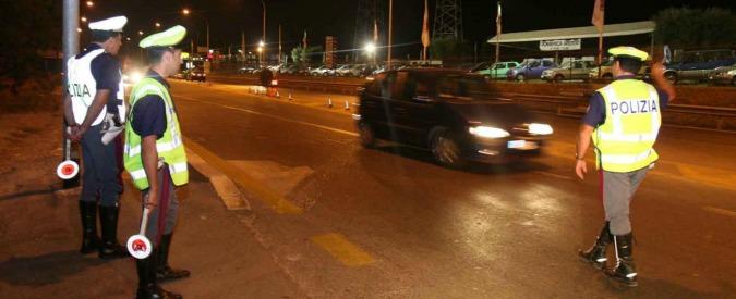 Vercelli, automobilista in stato d'ebbrezza percorre 27 km contromano in autostrada