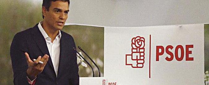 Spagna, caos Psoe: metà dell'esecutivo si dimette per sfiduciare Sanchez. Lui tira dritto e vuole nuove primarie