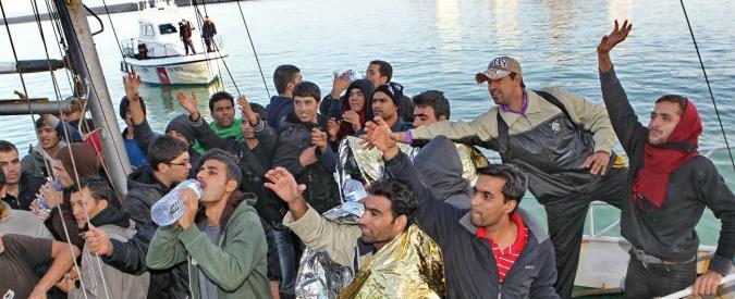"""Migranti, assolti due scafisti. """"Costretti a guidare gommone contro la loro volontà"""""""