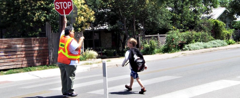 Scuole al via, ecco qualche consiglio utile per la sicurezza stradale dei più piccoli