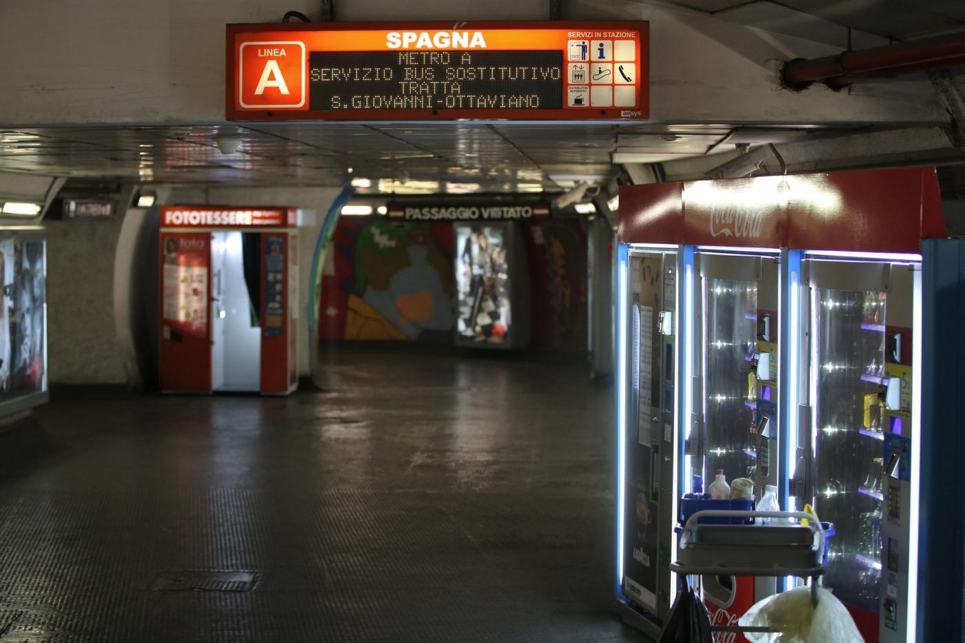 Roma, 15enne cade sotto convoglio della metro B: è in gravi condizioni
