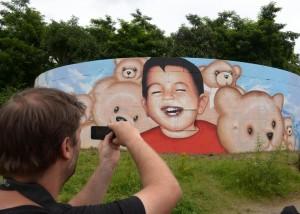 Un murales dedicato al picoclo Aylan a Francoforte