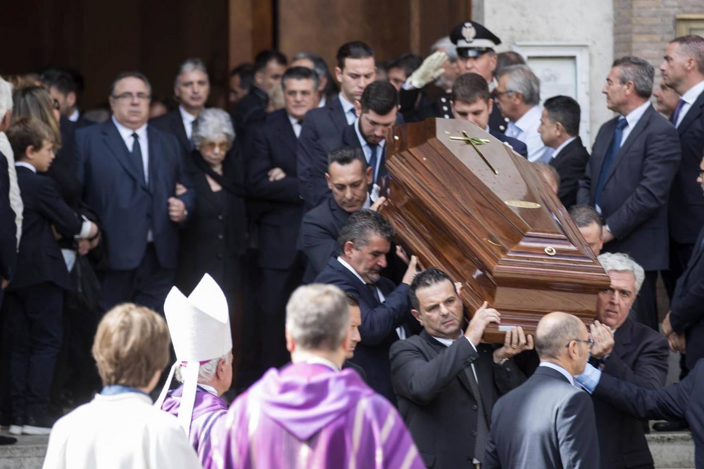 """Carlo Azeglio Ciampi, i funerali a Roma. Mattarella: """"Un punto di riferimento per tutti"""""""
