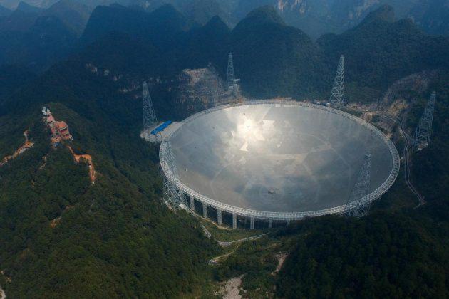 Cina: un enorme telescopio per trovare gli alieni