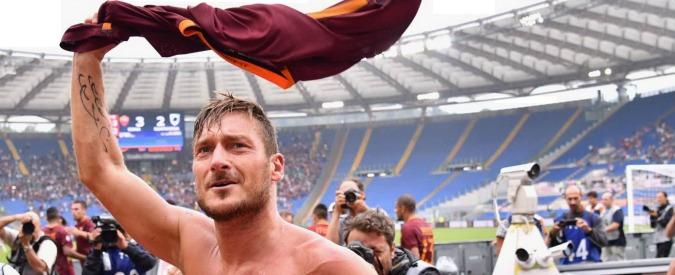 Roma, ricomincia il tormentone sul futuro di Totti. Intanto lui entra, sforna un assist e segna il gol decisivo