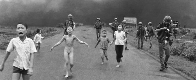 """Foto bambina vietnamita, Facebook fa marcia indietro: """"Immagine iconica, sarà possibile condividerla"""""""