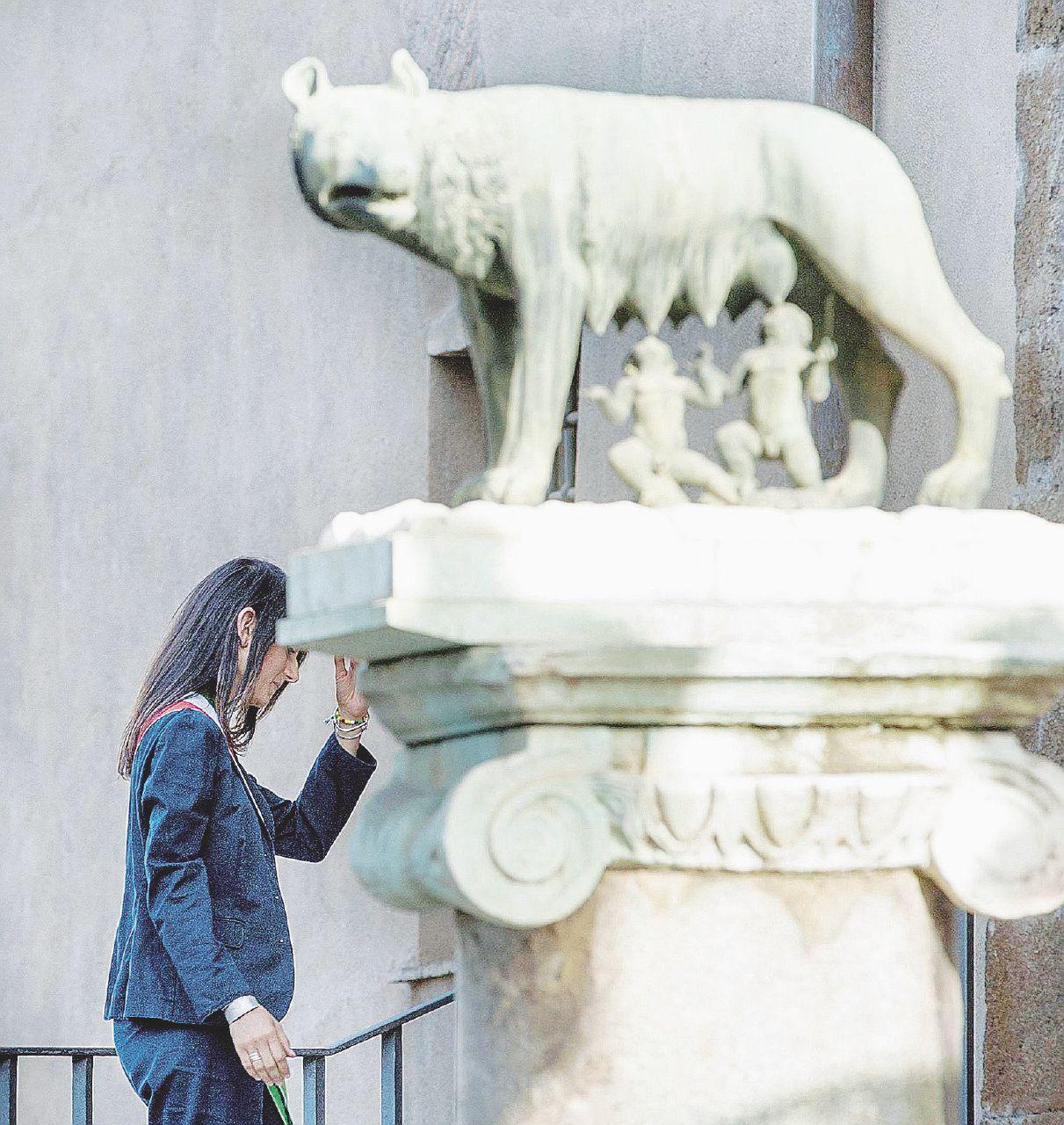 Calvario Roma, l'assessore al Bilancio è indagato: via