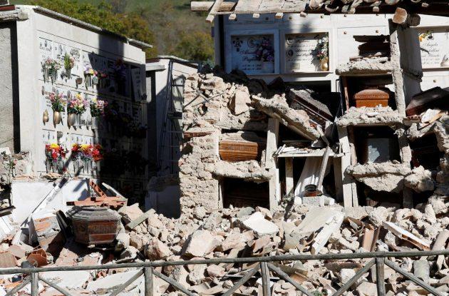 Norcia, immagini dal disastro del sisma