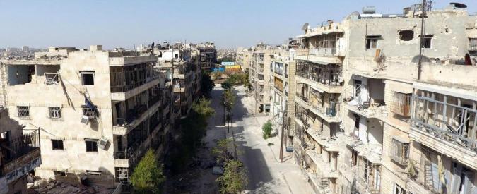 """Siria, ad Aleppo violata la nuova tregua. Mosca: """"Terroristi anti-Assad hanno sparato sul corridoio umanitario"""""""