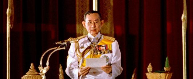 Thailandia, morto il re Bhumibol Adulyadej: da 70 anni sul trono tra rinascimento e dittatura militare