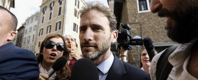 M5s, Casaleggio jr e Grillo incontrano i senatori a Roma. Sul tavolo anche il caso Muraro