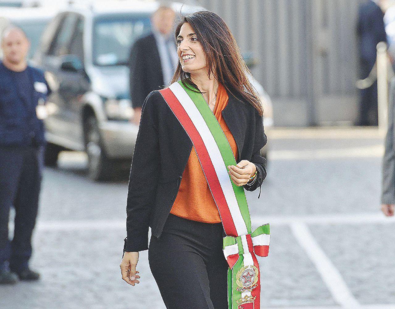 In Edicola sul Fatto Quotidiano del 1 ottobre: Virginia Raggi – Intervista alla sindaca di Roma sui primi 3 mesi di fuoco