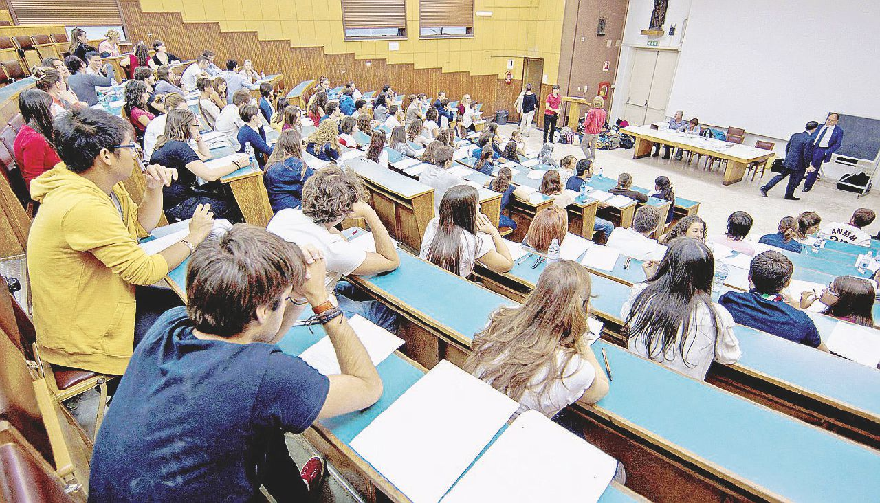 Roma, Bologna, Milano: zittito il No all'università