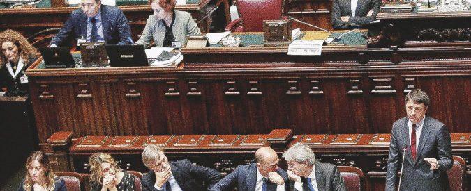 """Renzi-Boschi, è faida. Il premier non si fida più: sms, urla, divieti e voltafaccia. """"Non so più come fare"""""""