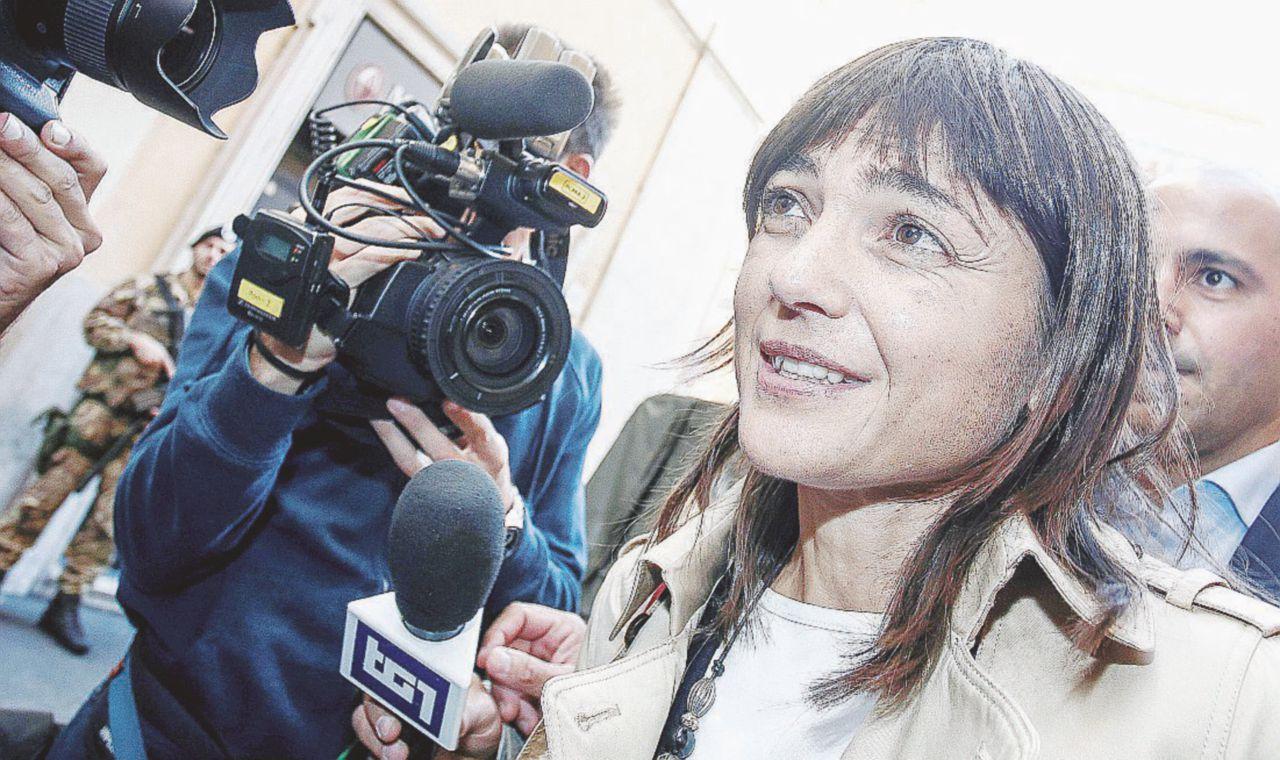 In Edicola sul Fatto Quotidiano del 28 ottobre: Il Pd fa campagna illegale per il Sì con soldi pubblici