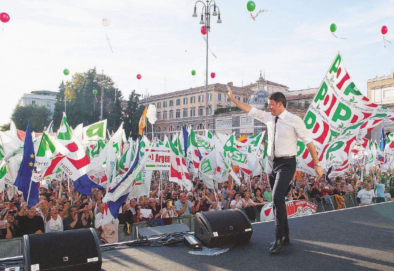 In Edicola sul Fatto Quotidiano del 30 ottobre: Il Partito democratico riempie solo in parte piazza del Popolo a Roma per sostenere la riforma