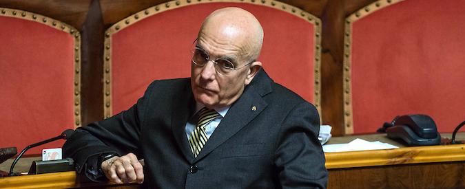"""Albertini """"graziato"""" dal Senato: """"Le parole su Robledo insindacabili"""". Il Pd si spacca e in 17 votano contro, il M5S: """"Come Ruby"""""""