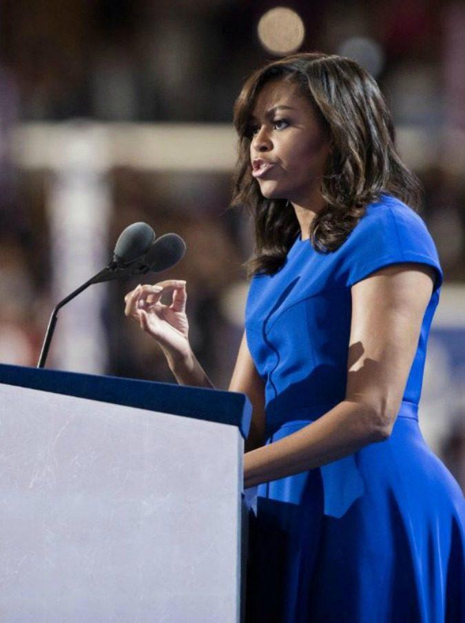 """Michelle Obama, il discorso """"da manuale"""" nel New Hampshire: """"Il mondo ha bisogno d'amore, e della first lady"""""""