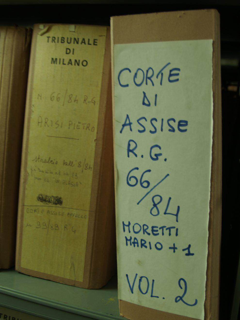 Le carte del processo a Mario Moretti, ex terrorista italiano, militante delle Brigate Rosse durante gli anni di piombo