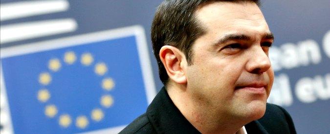 Grecia, Eurogruppo fa marcia indietro su alleggerimento del debito. Nel mirino la tredicesima di Tsipras ai pensionati poveri