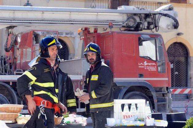 Vigili del fuoco al lavoro a Norcia