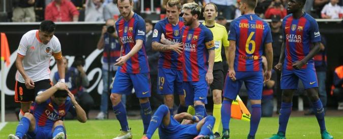 """""""Comportamento ridicolo dopo la partita con il Valencia"""". La Federazione attacca il Barcellona. Il club: """"Pronti alla denuncia"""""""