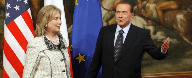 """Wikileaks, Hillary Clinton: """"Ho sentito uomini adulti piangere"""". E imita la voce di Berlusconi"""