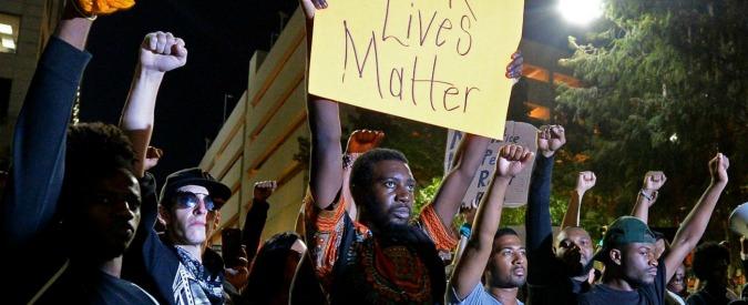 """Usa, 18enne afroamericano ucciso dalla polizia. Black Lives Matter: """"Teneva le mani in alto"""""""