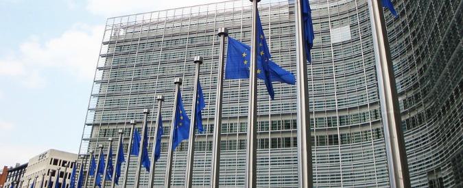 """Ue, il regno delle porte girevoli: """"Il 50% degli ex commissari e il 30% degli ex europarlamentari ora fanno i lobbisti"""""""