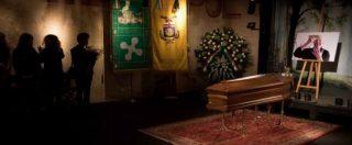 Dario Fo, al Piccolo Teatro la camera ardente. Jacopo: 'Sepolto accanto a Franca Rame'. Sala: 'Ha dato a Milano più di quanto ha ricevuto' (FOTO)