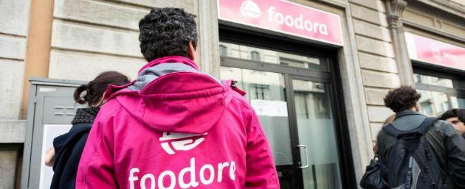 """Foodora, le promoter cacciate via WhatsApp: """"Licenziate al telefono per aver partecipato a un incontro pubblico"""""""