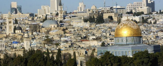 """Unesco, Renzi su astensione Italia risoluzione luoghi santi Gerusalemme: """"Allucinante, basta attacchi ad Israele"""""""