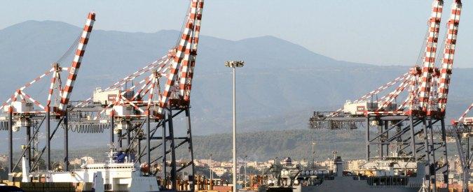 'Ndrangheta, al largo di Gioia Tauro sequestrati 385 chili di cocaina: erano in mare, in borsoni legati alle boe