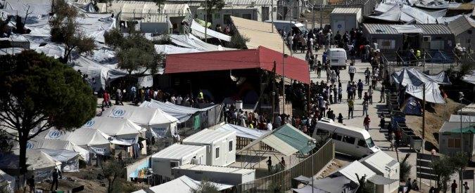 Grecia, migranti in attesa di asilo danno fuoco a centro Ue a Lesbo: 22 arresti