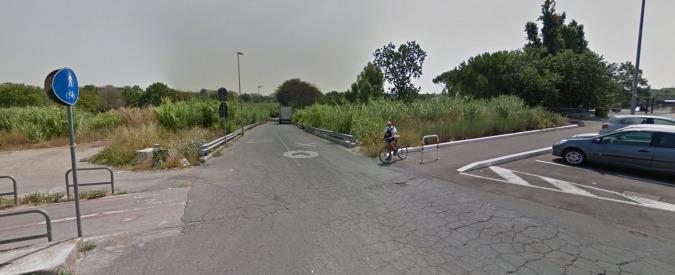 Roma, ciclista travolto e ucciso da un furgone sul Lungotevere della Magliana