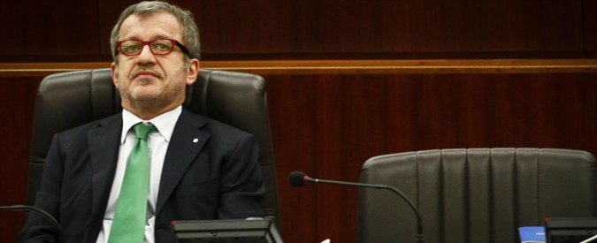 """Regione Lombardia, niente sedute per 20 giorni. Pd: """"Alla giunta Maroni mancano le idee"""""""