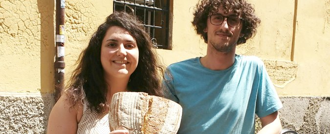 """""""In bici portiamo il pane artigianale nelle case. In Italia non c'è lavoro? Uscite dagli schemi"""""""