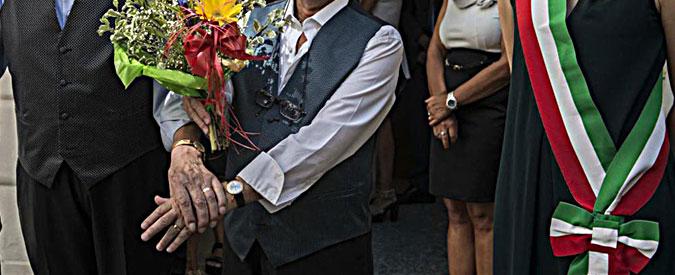 Lega Nord, la sindaca di Oderzo sposa la coppia omosessuale. Il partito la mette alla porta