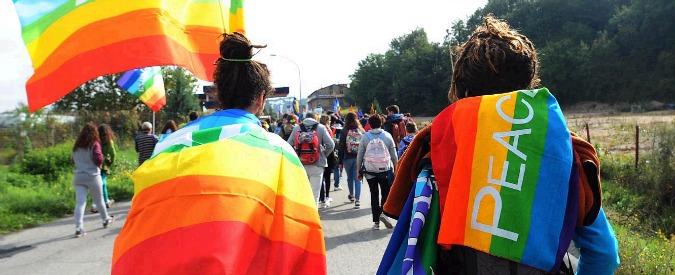 """Perugia-Assisi, in 100mila alla Marcia della Pace. """"Camminiamo insieme contro l'indifferenza di istituzioni e cittadini"""""""