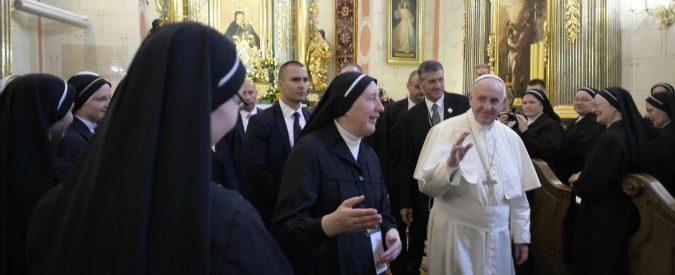 Papa Francesco 'rattristato' dalle suore sposate? Basta con l'ipocrisia