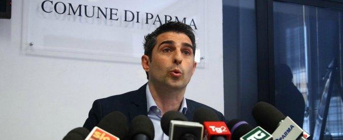 """Parma, Federico Pizzarotti indagato per la vendita di una società comunale. Lui: """"Servì per alleggerire la città dal debito"""""""