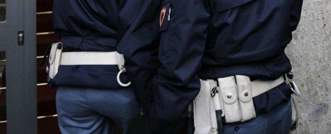 """Corruzione, """"permessi di soggiorni in cambio di regali"""": arrestato sindacalista del Sap"""