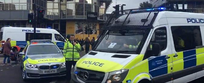 """Londra, """"sventato attentato terroristico nella metropolitana"""". Arrestato un 19enne: """"Pianificava altri attacchi"""""""