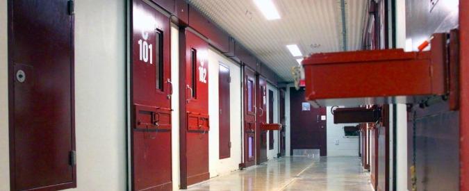 """Brasile, scontri in carcere fra gang rivali: uccisi otto detenuti. """"Morti asfissiati"""""""