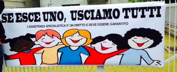 Insegnanti di sostegno, 'il nostro compagno è senza? Ce ne andiamo': la protesta di 600 studenti e genitori a Roma